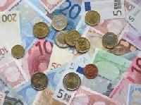 Prestiti tra parenti e familiari: vanno dichiarati all'Agenzia delle Entrate Foto